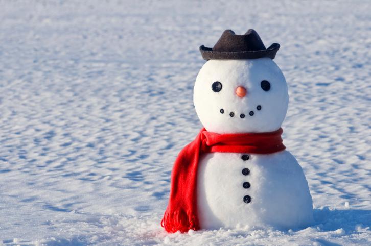 como-hacer-munecos-de-nieve-en-fieltro
